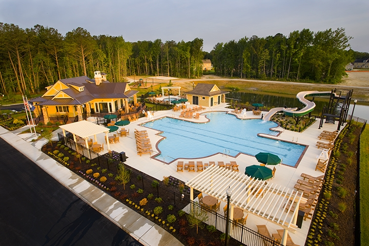 Founders Pointe pool